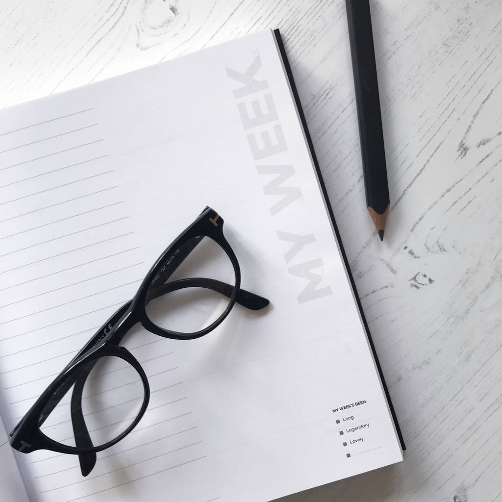 original_undated-week-to-view-planner-pencil-gift-set (5)