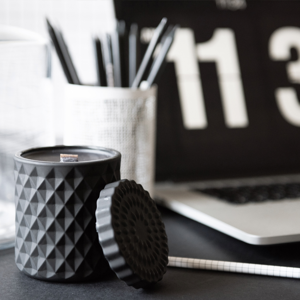 Hello Time Candle Geo Flat Desk