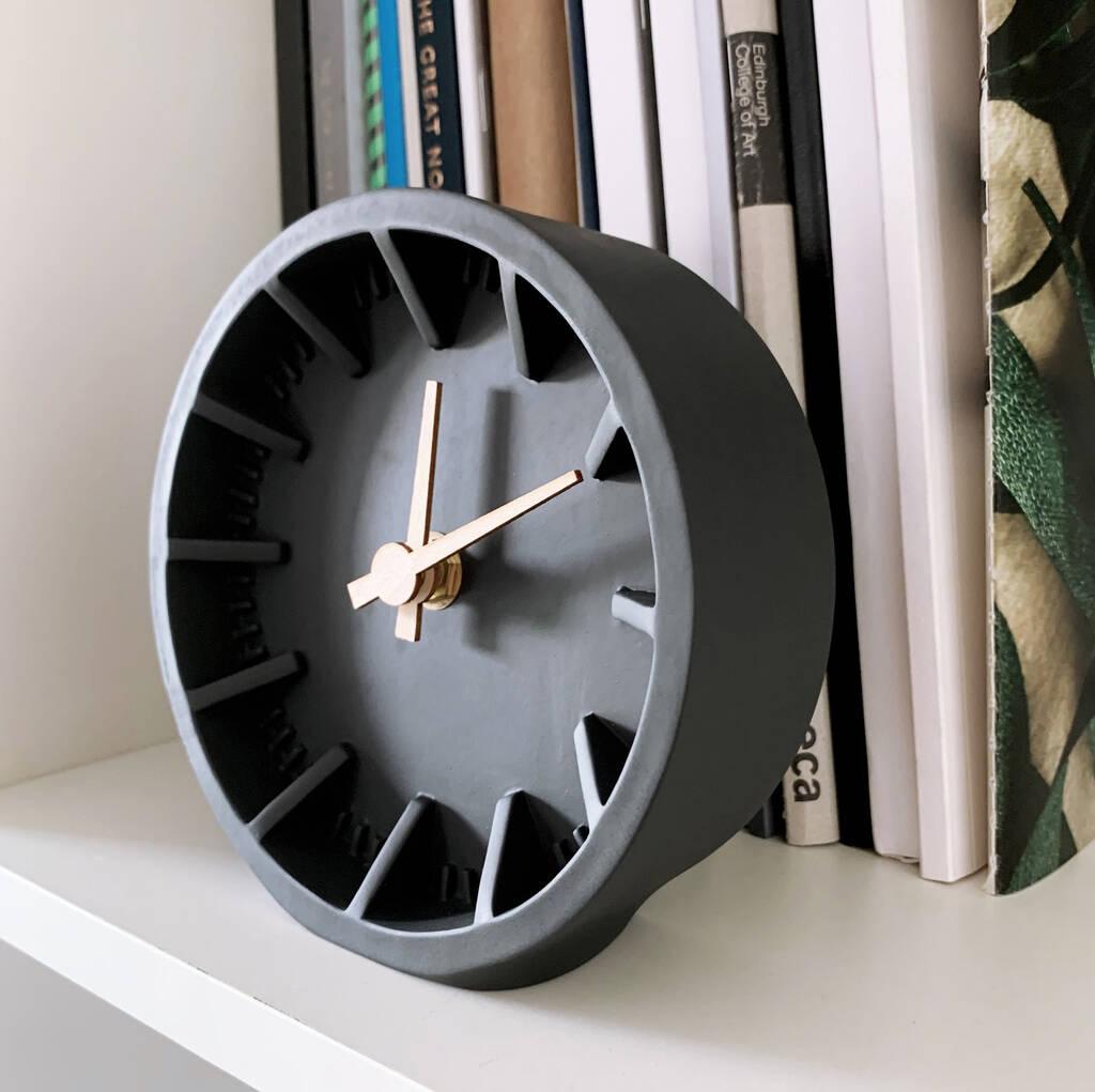 original_charcoal-desk-clock (2)