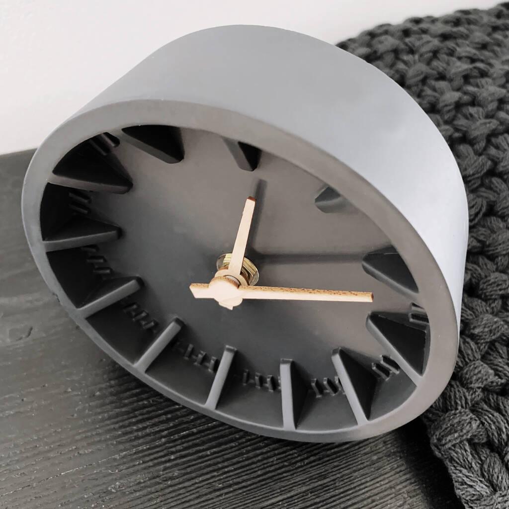 original_charcoal-desk-clock (3)