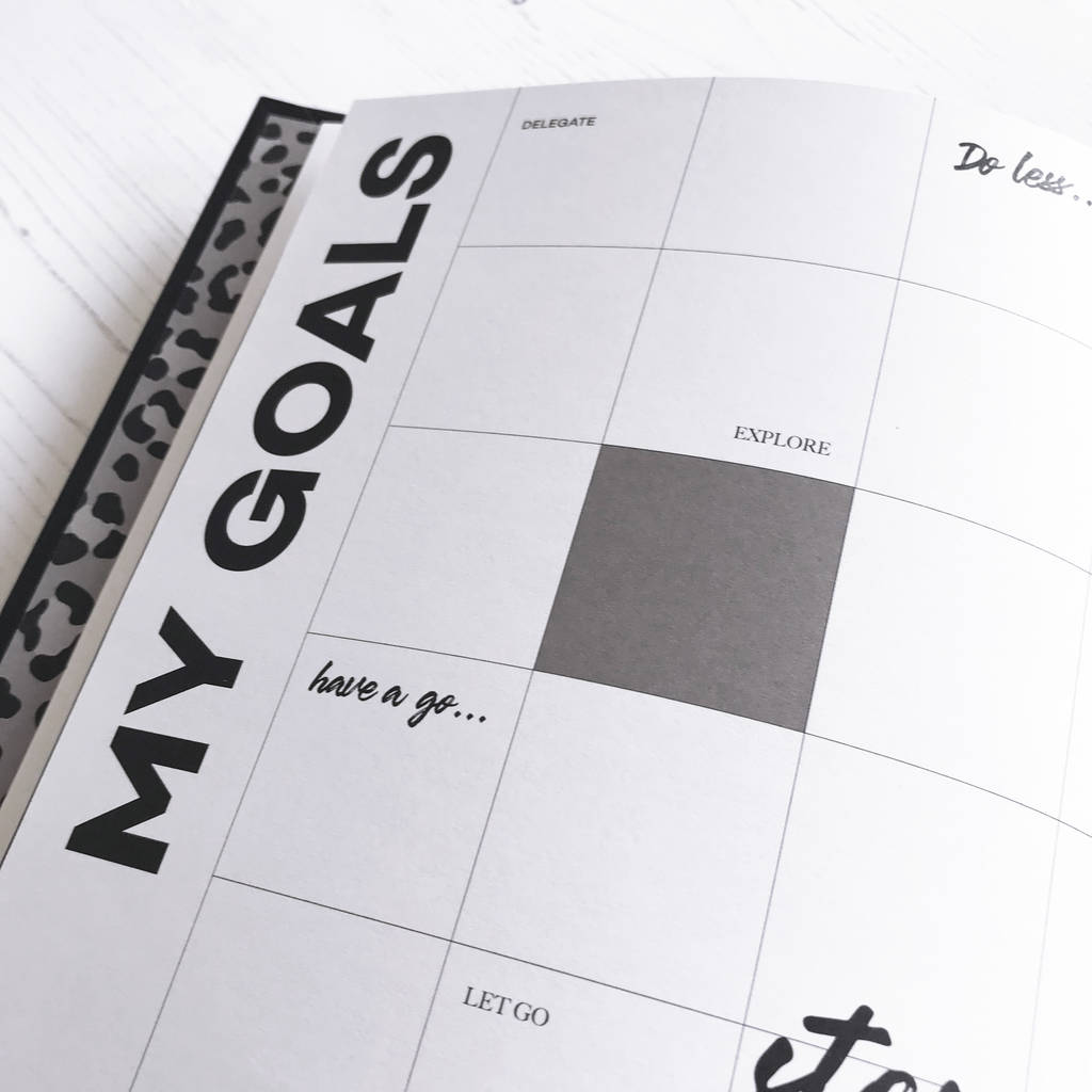 original_personalised-hello-time-undated-planner-corporate-gift (2)